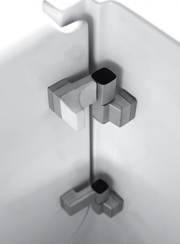 Акриловая ванна Abber AB9000 C L 130х70 без гидромассажа в интерьере.