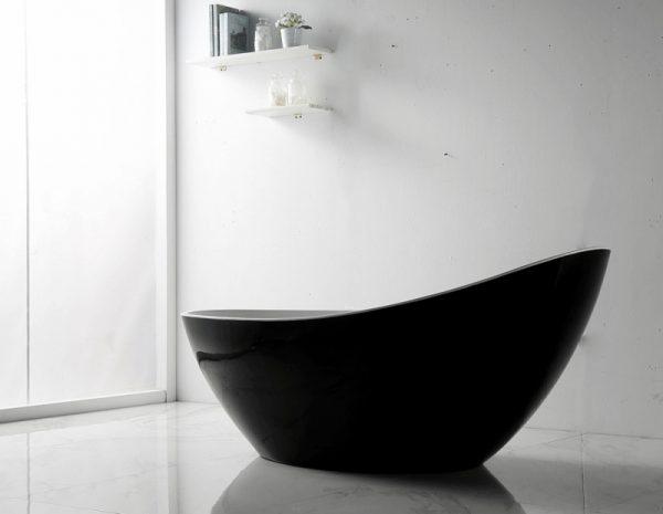 Акриловая ванна Abber AB9233B 184х79 без гидромассажа в интерьере.
