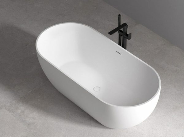 Акриловая ванна Abber AB9241 172х74 без гидромассажа в интерьере.