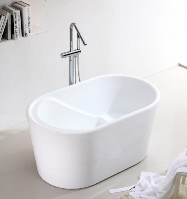 Акриловая ванна Abber AB9277 130х75 без гидромассажа изображена на фото