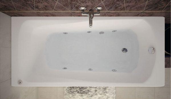 Акриловая ванна Aquanet Roma 150х70 без гидромассажа в ванной комнате.