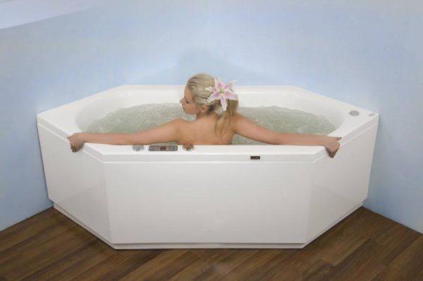 Акриловая ванна Victory Spa Flores Без системы управления изображена на фото